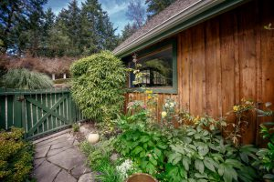 salt spring chatrooms Salt spring inn 595 likes hotel and restaurant breakfast lunch and dinner.